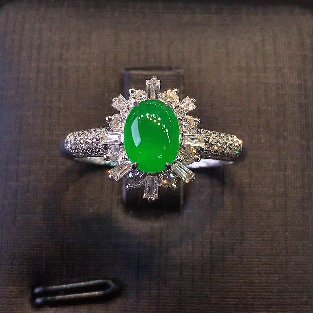 冰种正阳绿色女款戒指,水头好,色阳,款式精美时尚,完美,18k金镶嵌钻石,[爱心第2张