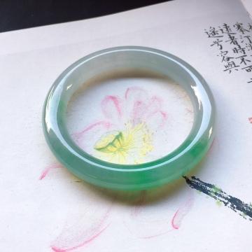 绿花圆条手镯,尺寸:52 .7/9.4mm重46.3g