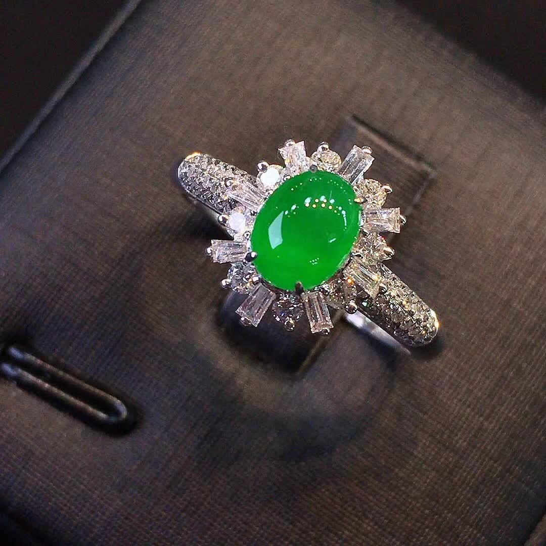 冰种正阳绿色女款戒指,水头好,色阳,款式精美时尚,完美,18k金镶嵌钻石,[爱心第3张