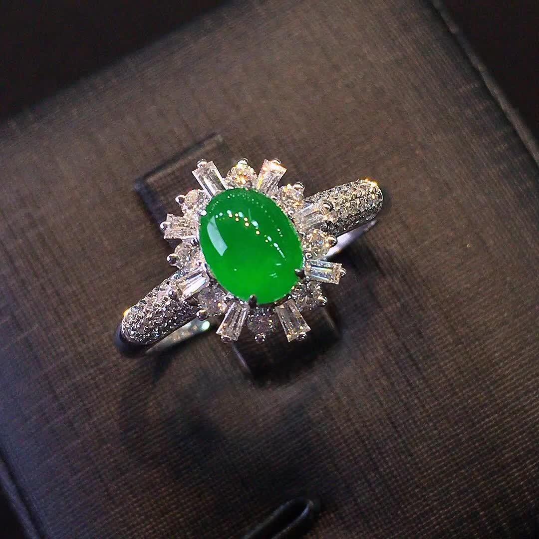 冰种正阳绿色女款戒指,水头好,色阳,款式精美时尚,完美,18k金镶嵌钻石,[爱心第4张