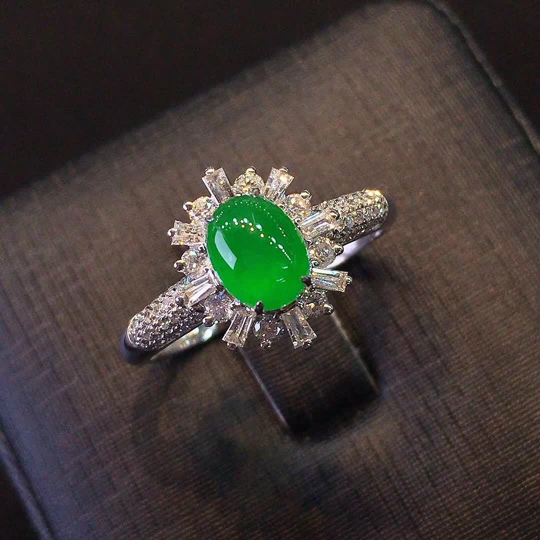 冰种正阳绿色女款戒指,水头好,色阳,款式精美时尚,完美,18k金镶嵌钻石,[爱心第6张