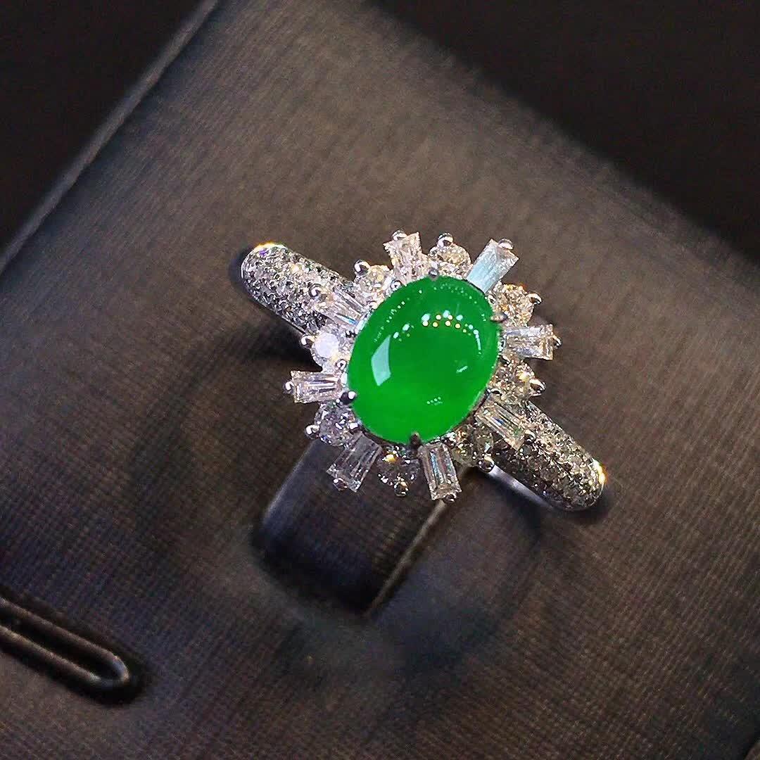冰种正阳绿色女款戒指,水头好,色阳,款式精美时尚,完美,18k金镶嵌钻石,[爱心第7张