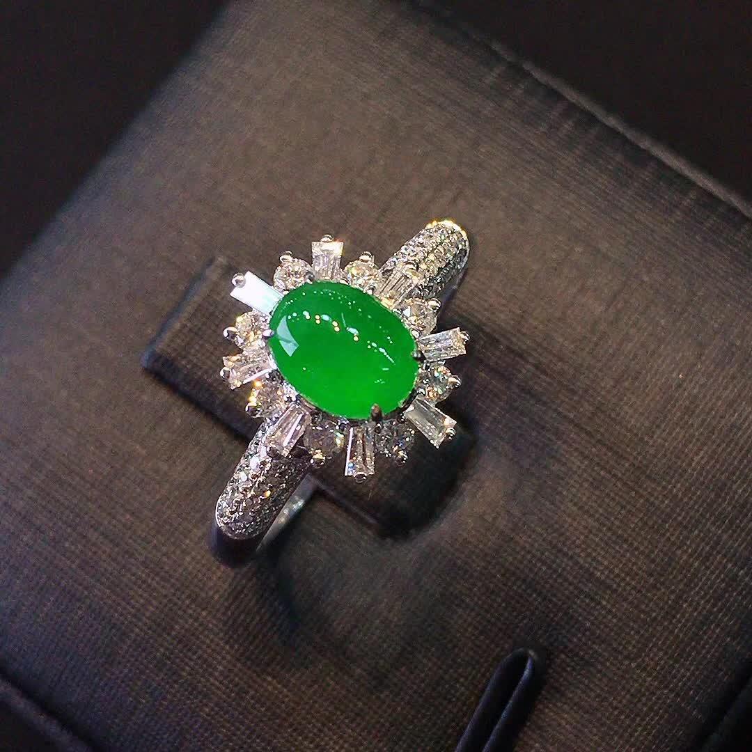 冰种正阳绿色女款戒指,水头好,色阳,款式精美时尚,完美,18k金镶嵌钻石,[爱心第8张