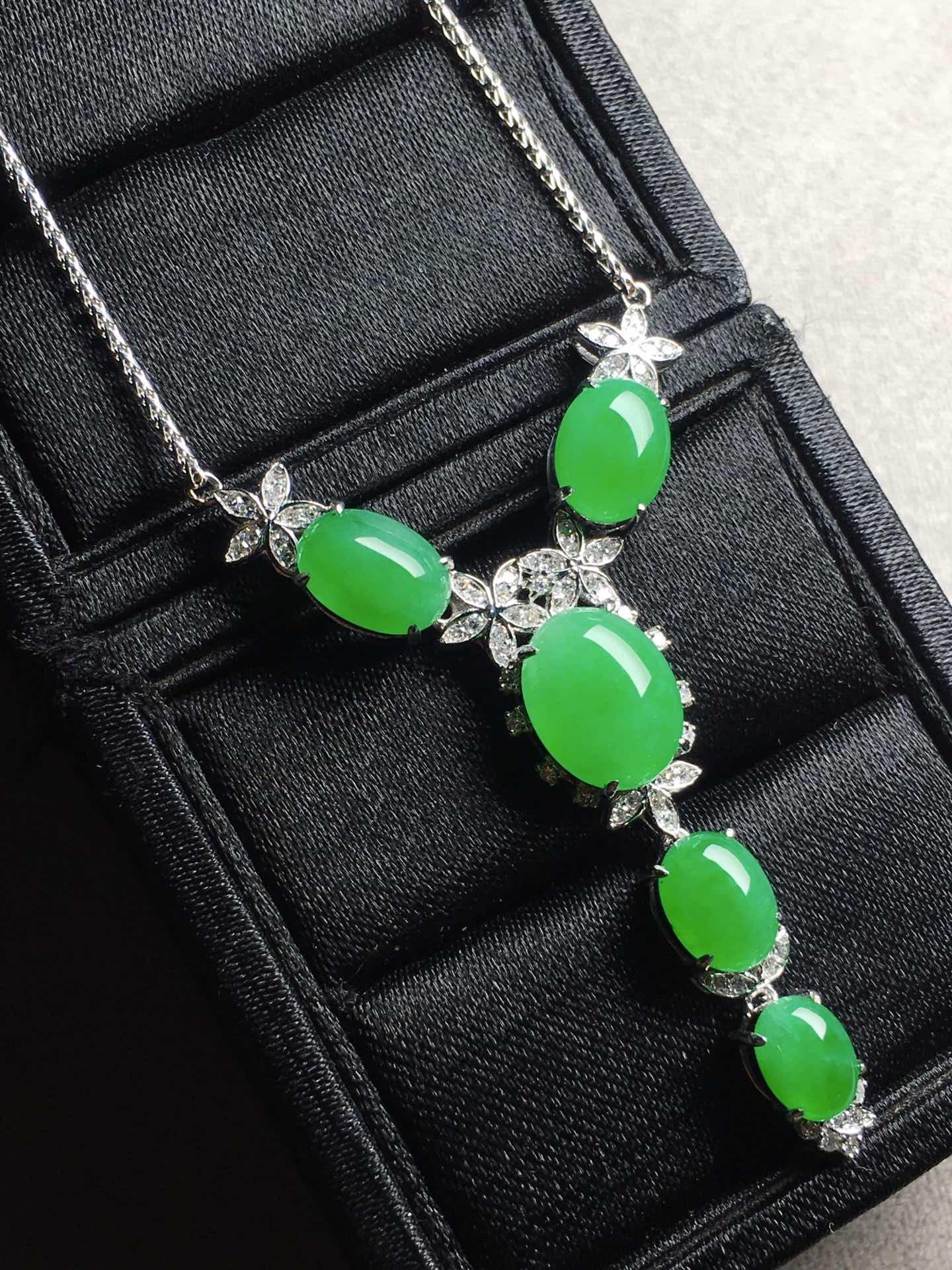 冰阳绿蛋面锁骨项链,裸石大:11-8.8-5,小:7.1-5.6-4第3张