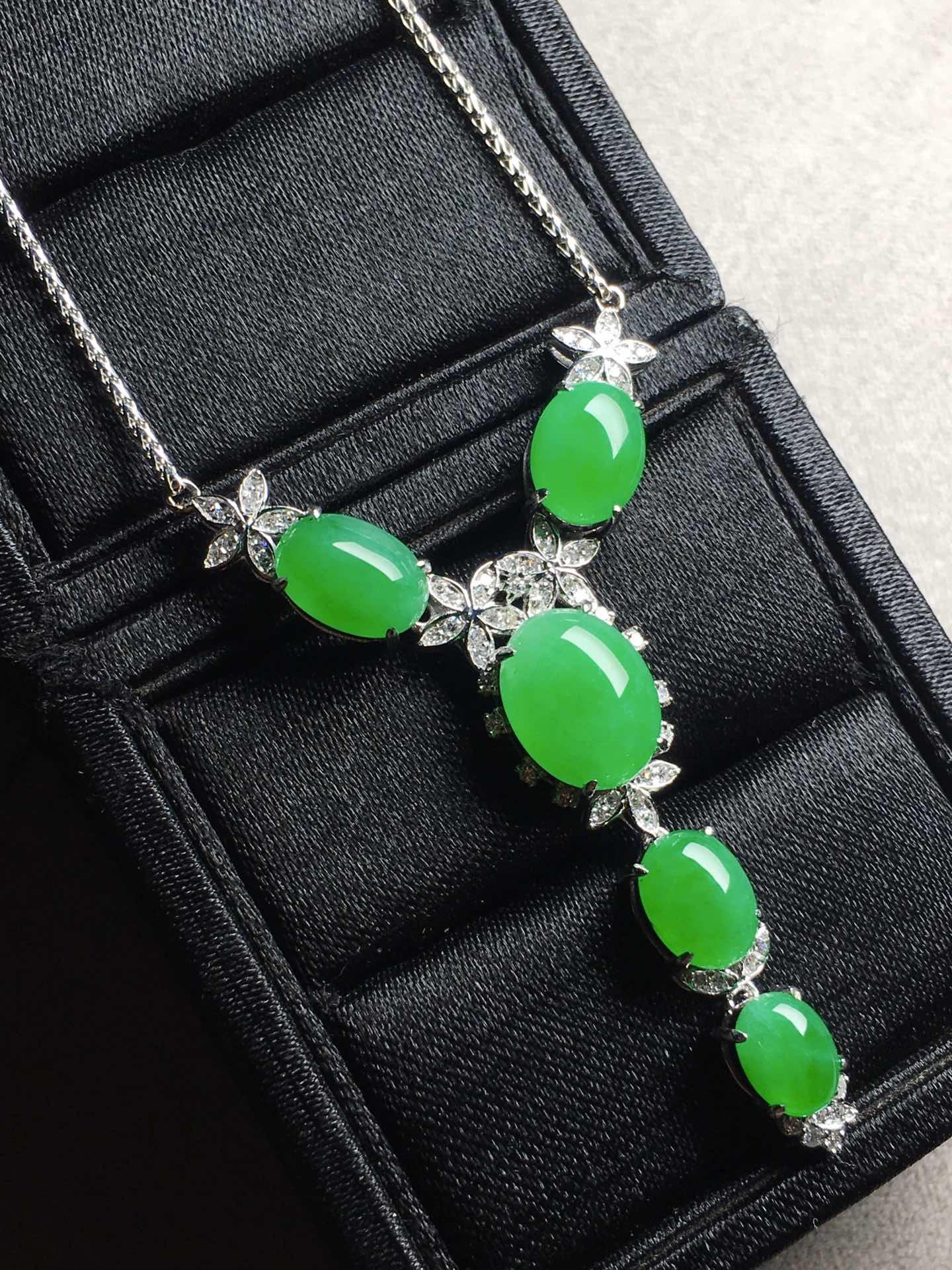 冰阳绿蛋面锁骨项链,裸石大:11-8.8-5,小:7.1-5.6-4第5张