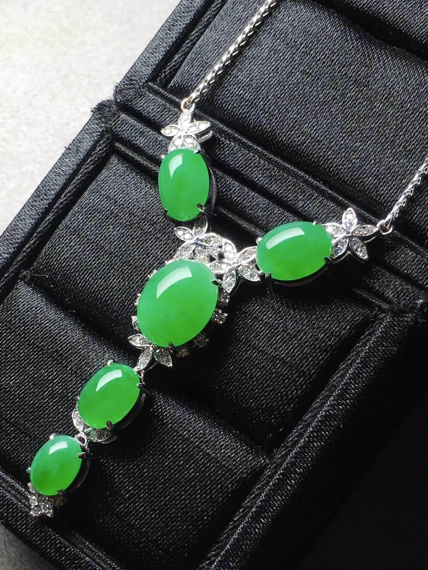 冰阳绿蛋面锁骨项链,裸石大:11-8.8-5,小:7.1-5.6-4第4张