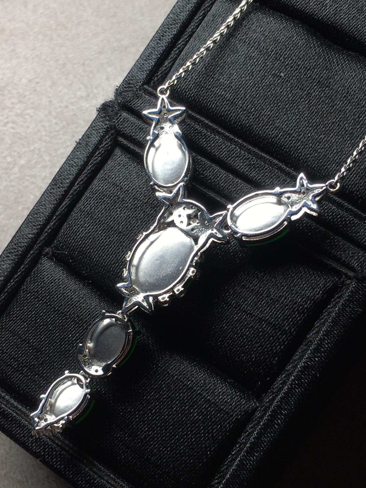 冰阳绿蛋面锁骨项链,裸石大:11-8.8-5,小:7.1-5.6-4第9张