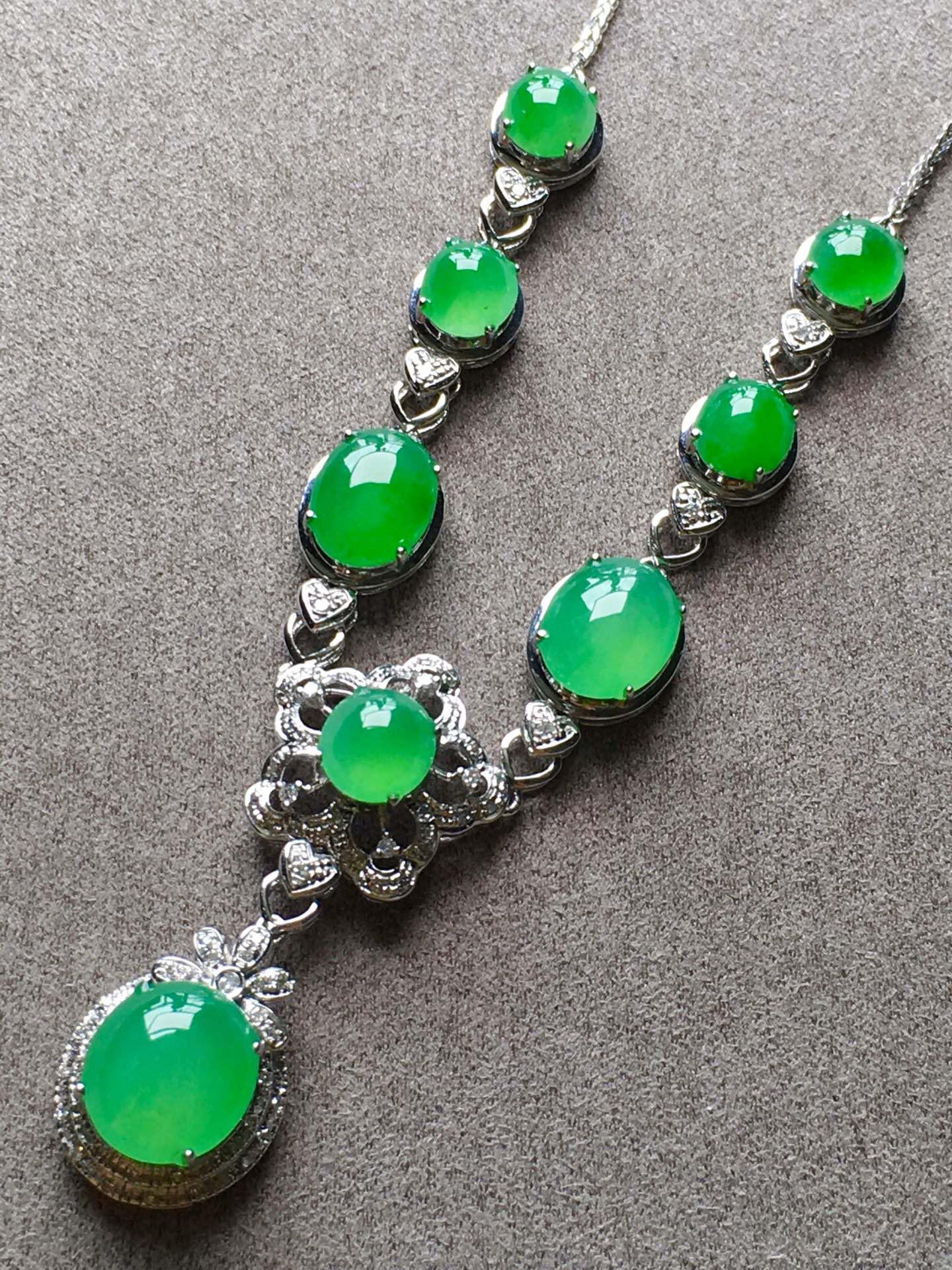 高冰正阳绿项链,裸石尺寸取大9/8/4mm,取.3/5/3.5mm第2张