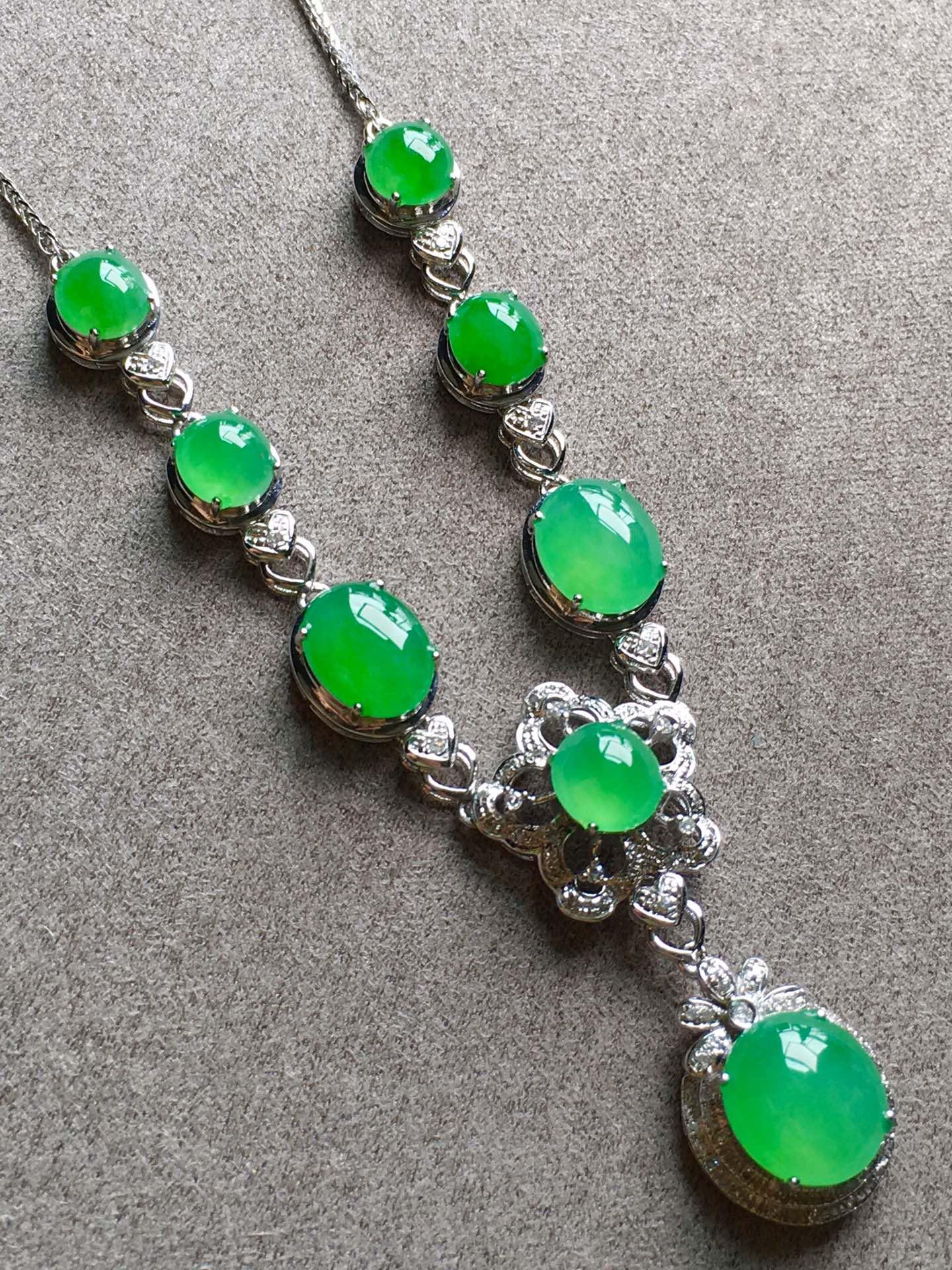 高冰正阳绿项链,裸石尺寸取大9/8/4mm,取.3/5/3.5mm第1张