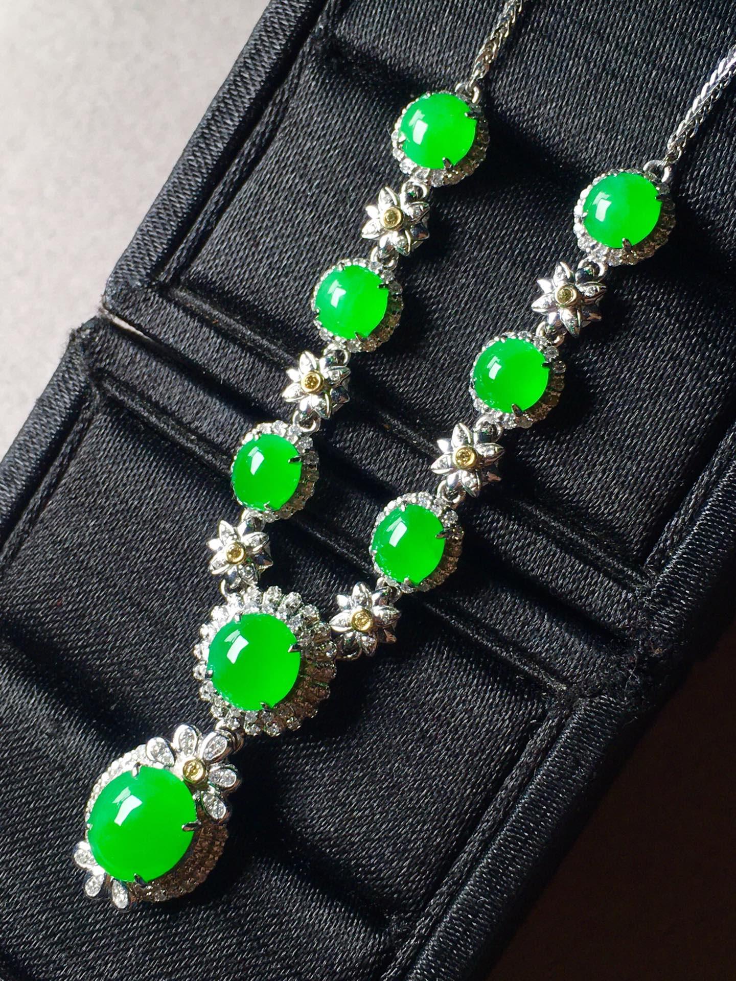 正阳绿蛋面锁骨链,裸石最大:8.5-7.3-3.6第8张