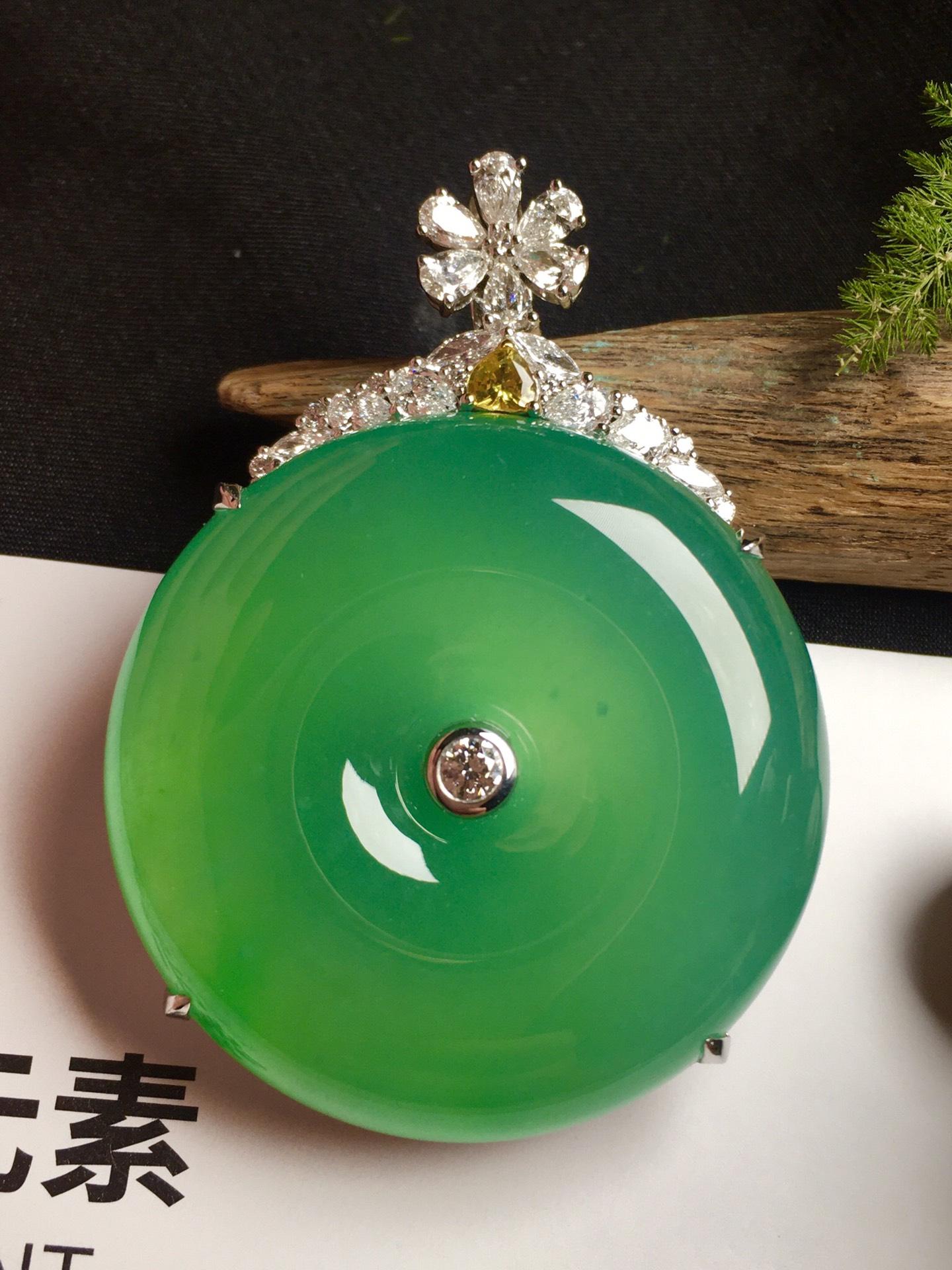 价:【平安扣,冰正阳绿】通透,润水细腻,完美,18k金华奢钻镶石嵌☕第5张