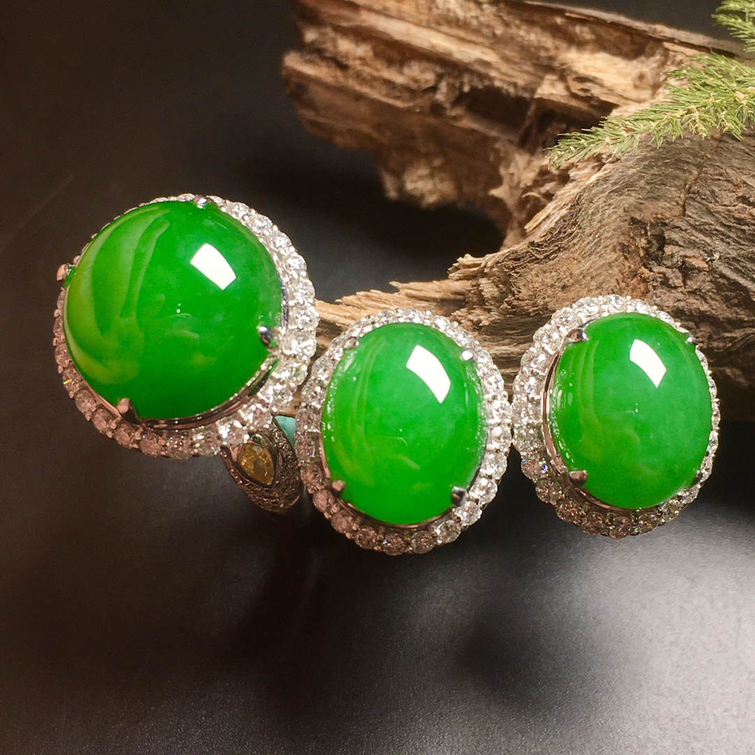 高冰阳绿大蛋面绿蛋套装,戒指+耳钉第4张