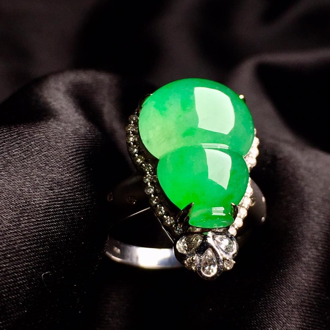 冰阳绿葫芦戒指,内圈17.5,裸石尺寸17-12.3-5第3张